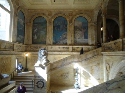 More staircases + gorgeous paintings.
