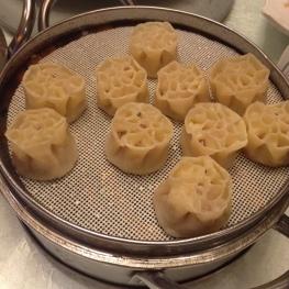 flower-shaped dumplings